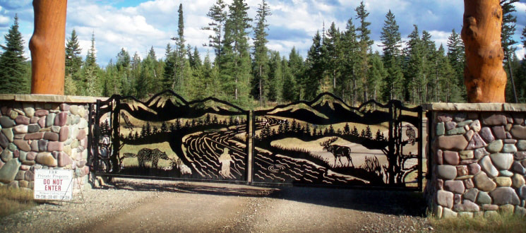 Gate for Flathead River Ranch by DXF Design #dxfdesign #dxf #dxffiles #plasma #laser #waterjet #cnc #metalart #silhouette #welding